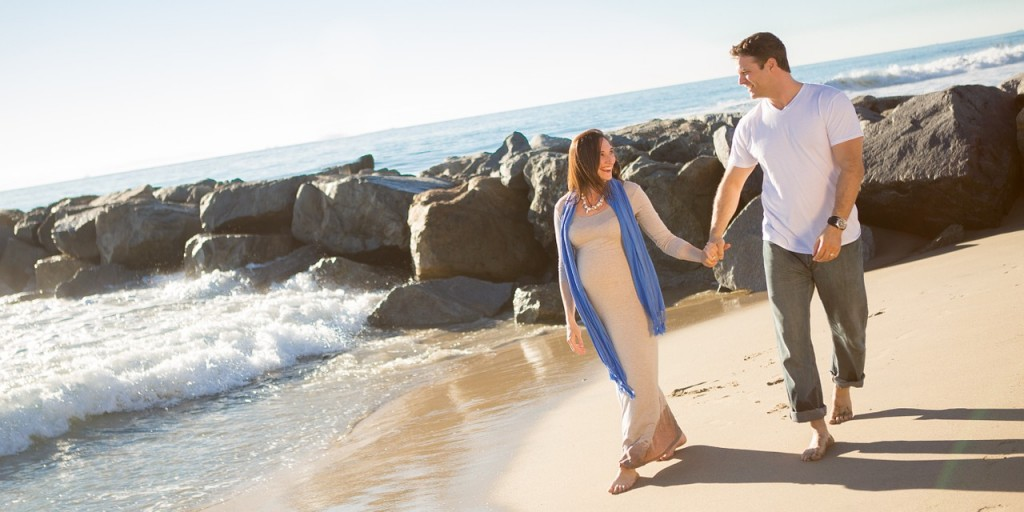 Embarazada paseo playa
